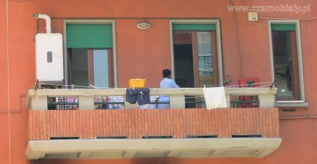 Napoli colf lavoro grembiule 3
