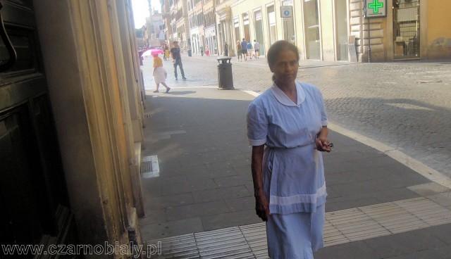 roma lavoro colf grembiule 3