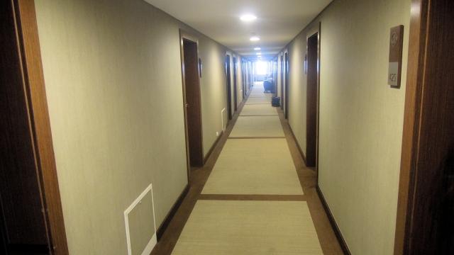 haston-korytarz